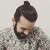 Model Rambut Pria Untuk Wajah Bulat - top knot