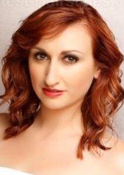 Gaya Rambut Untuk Wajah Bulat - Copper Curl Pendek