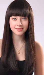 Gaya Rambut Untuk Wajah Bulat - Rambut panjang dan lurus