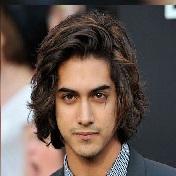 Model Rambut Pria Untuk Wajah Bulat - Long Top