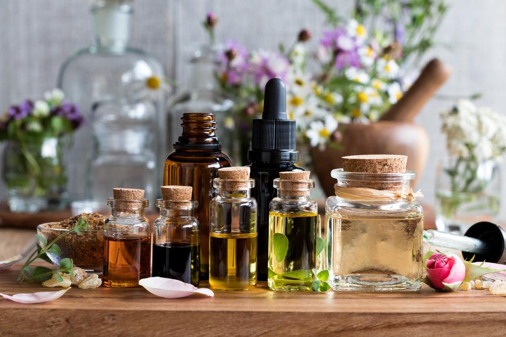 inilah rekomendasi 12 minyak rambut untuk rambut gondrong terbagus Merk Minyak Kemiri Terbagus