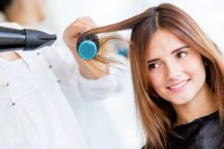 Cara Hairspray Untuk Rambut Blow
