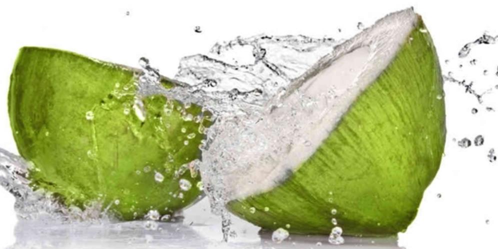 4 Khasiat Dan Cara Pakai Air Kelapa Untuk Perawatan Rambut